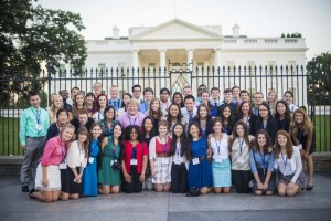All of the delegates of the 2013 Al Neuharth Free Spirit and Journalism Conference in front of the White House.
